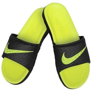 Nike Benassi Solarsoft Men's Slide Black/Volt